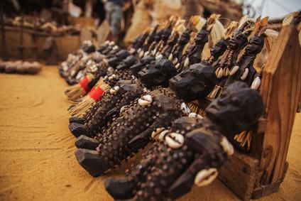 Découvrez ce qu'est le maraboutage africain, ce travail occulte des marabouts africains destiné à obtenir ce que leurs clients leur demandent